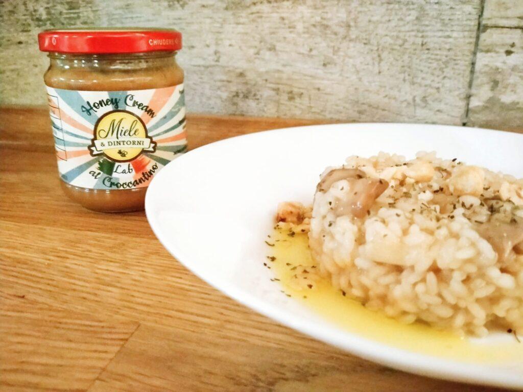 Risotto ai funghi con Honey Cream al Croccantino